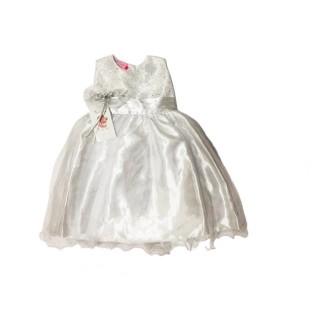 Vestido blanco con perlas meses