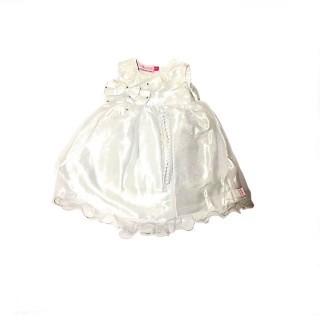 Vestido blanco con bordados de flores meses